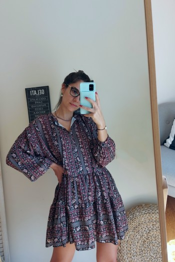 Relaxed dress with ruffled hem