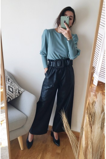 Leather cropped trousers