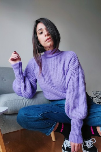 Jumper with voluminous sleeves