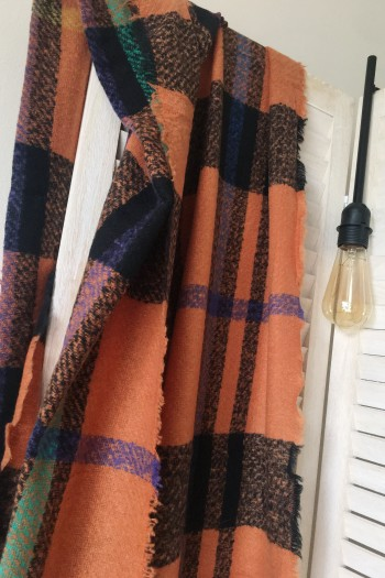 Comely scarf in colourblock