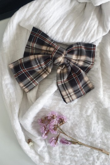 Oversized check bow hair clip