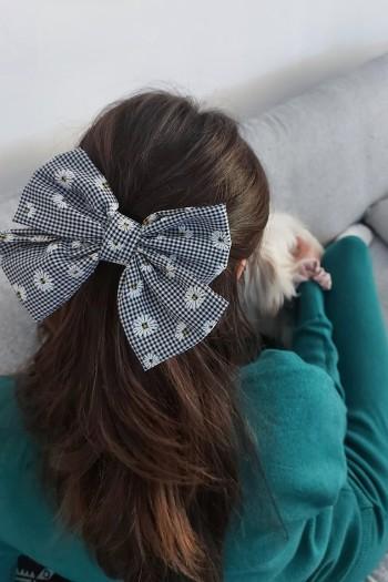 Daisy checker bow hair clip