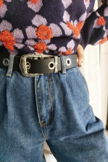 Buckle belt with links