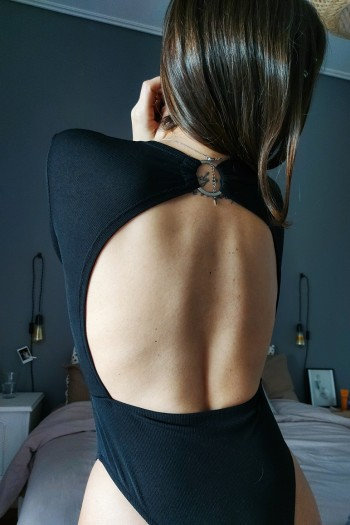 Sexy back plunge body