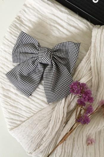Checker bow hair clip
