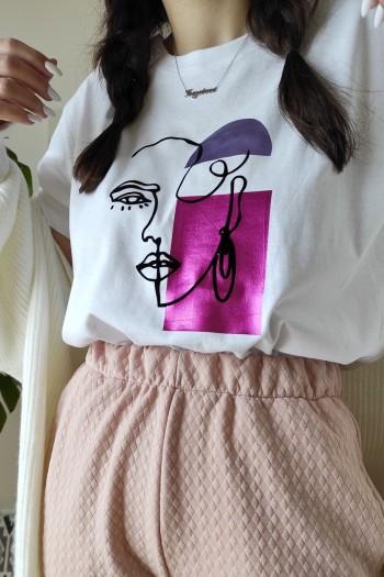 Face in metallics t-shirt