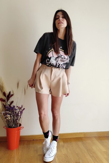 Monochrome wide in extremes beige shorts
