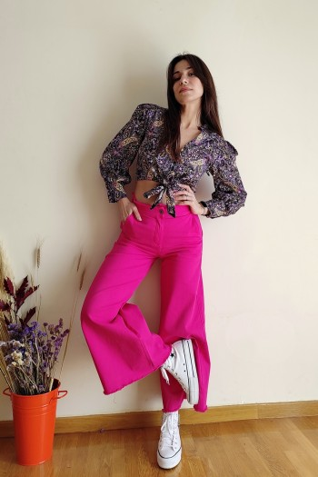 Cropped flare fuchsia trousers