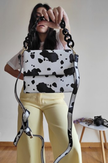 Cross body bag in cow print