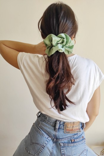 Satin oversized scrunchie