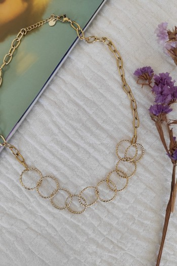 Linked hoops necklace