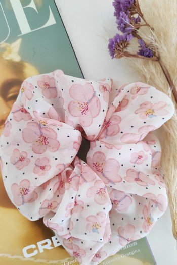 Almond scrunchies
